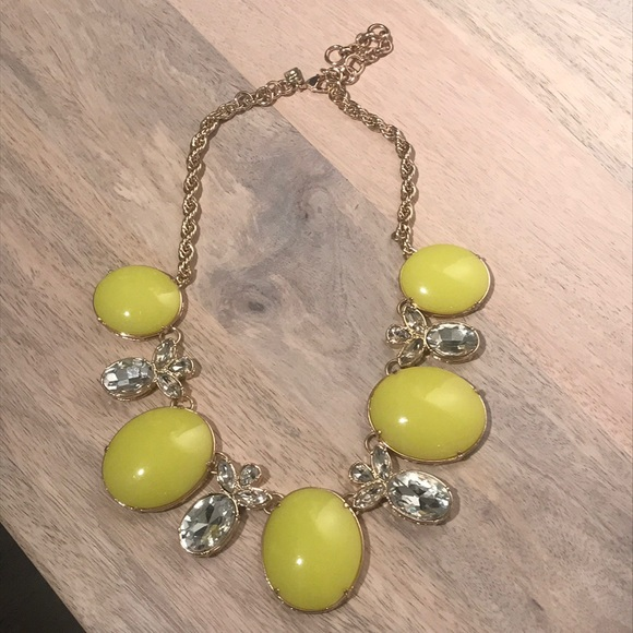 Banana Republic Jewelry - Banana Republic statement necklace